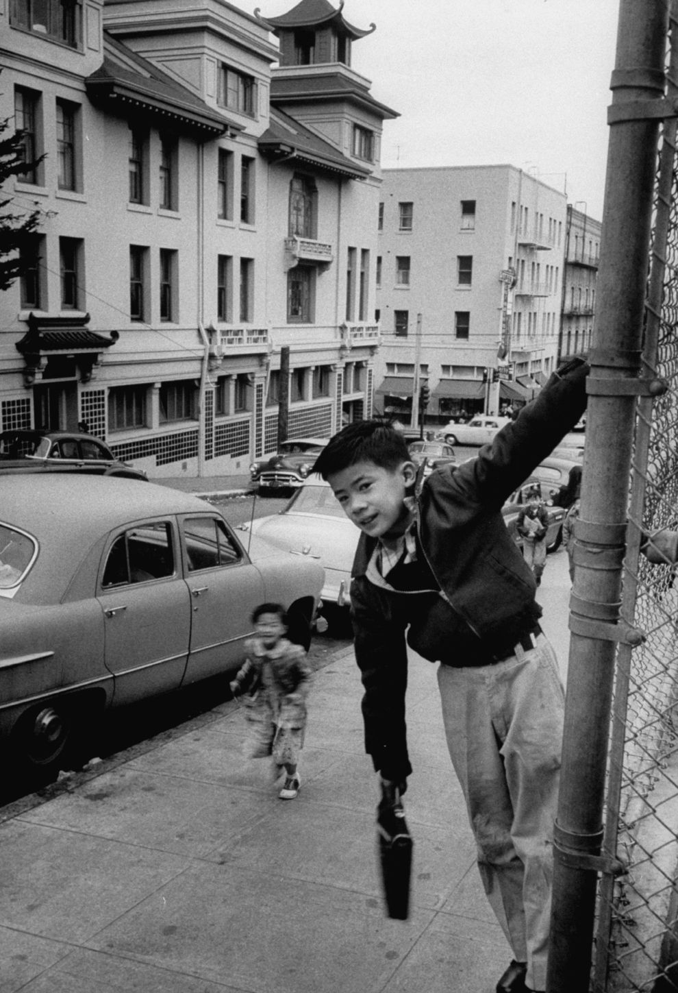31 beautiful photos of life in san franciscos chinatown in the 50s