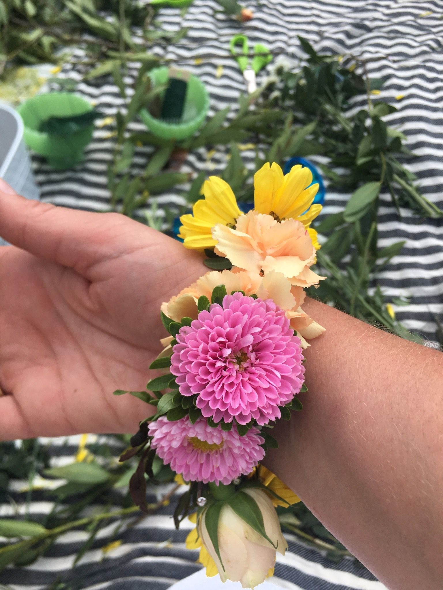 Bracelets made from real flowers fetes de fleurs flower parties lets flower party picnic style real flower bracelets real flower rings real flower crowns izmirmasajfo