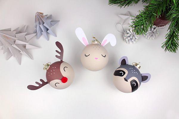 Cette année ajoutez une touche d'originalité à votre sapin en fabriquant ces boules de Noël en forme d'animaux ! #christmasornaments #quilted #christmas #ornaments