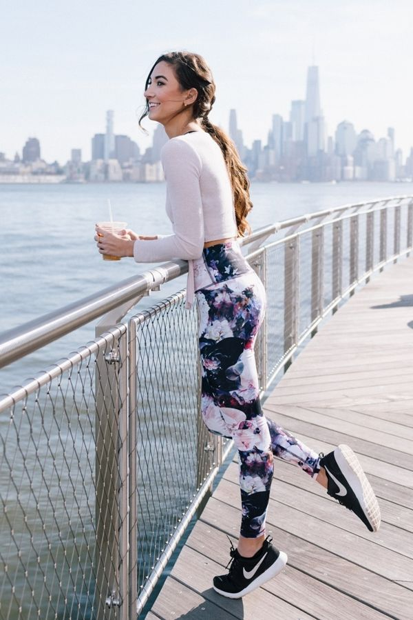 Photo of 40 sizzling hot women in yoga pants – hairstyle models