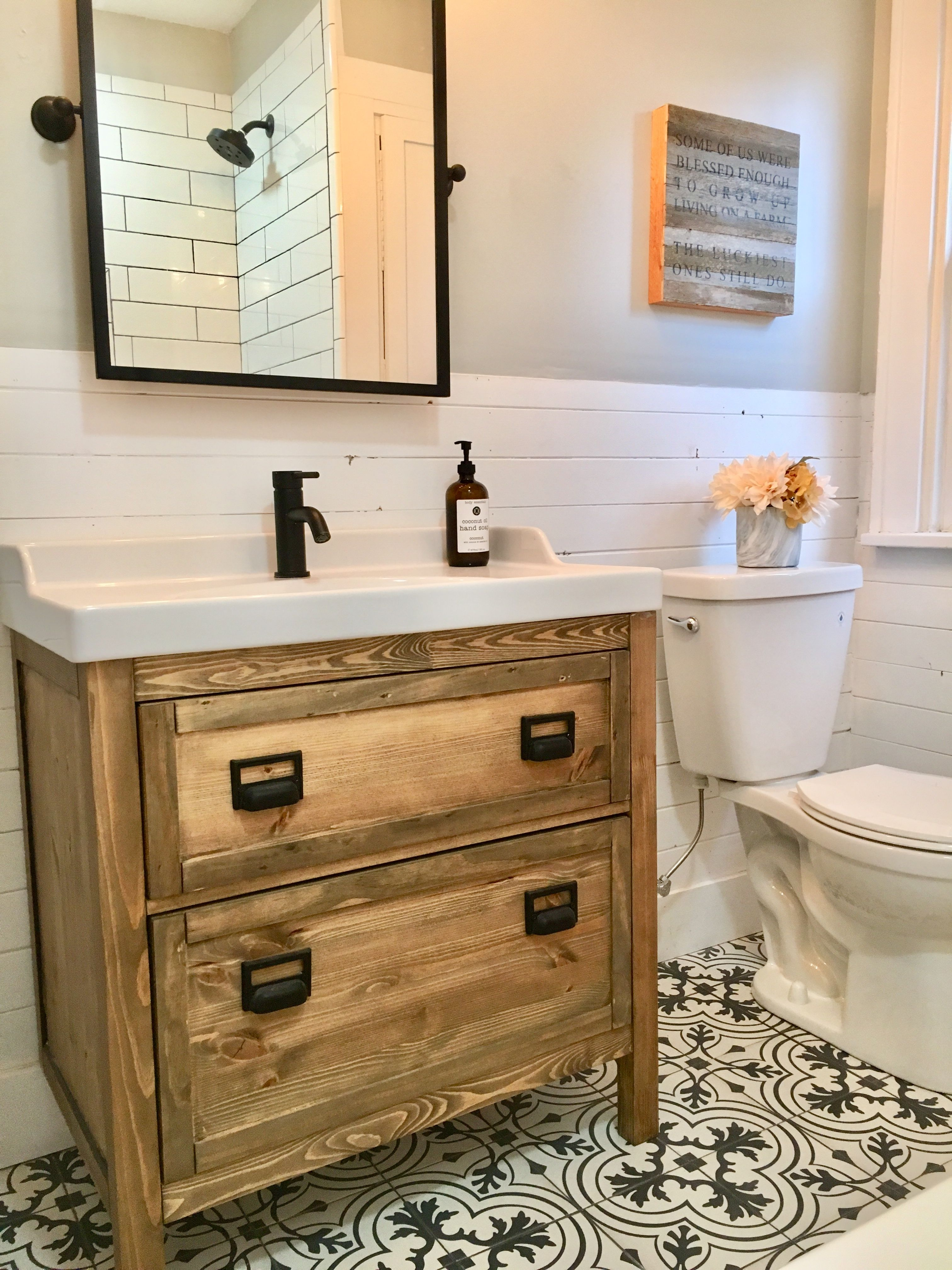 Stupendous Farmhouse Style Bathroom By Blankspace Llc Pittsburgh Pa Interior Design Ideas Grebswwsoteloinfo