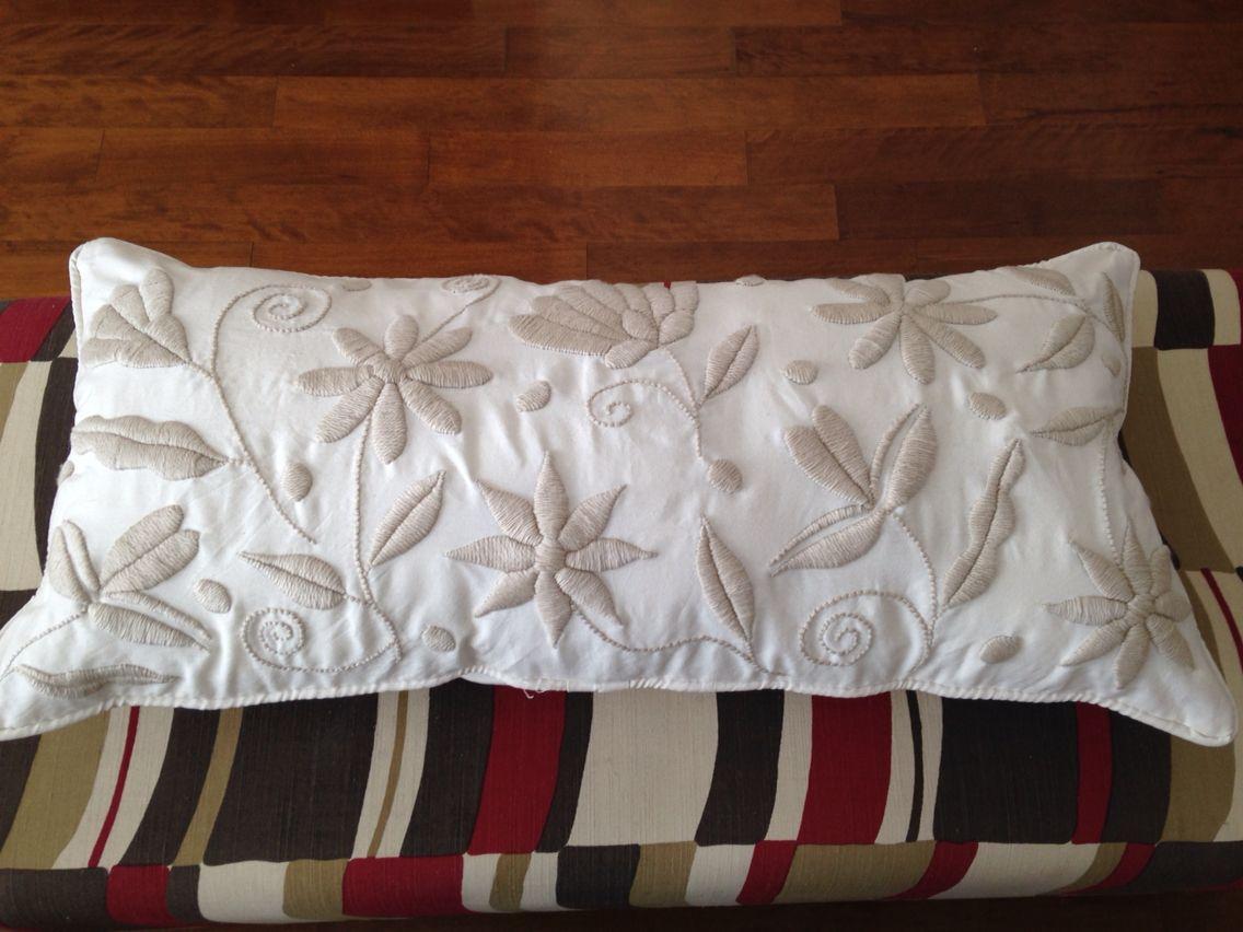 Almohadon bordado a mano con lana manualidades - Cojines de lana hechos a mano ...