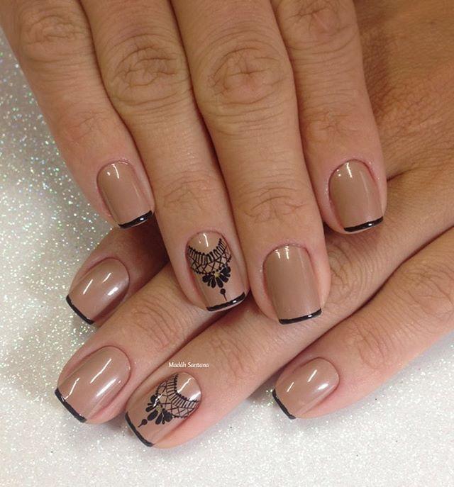 Nails #linda #nude #francesinha #rendinha #madahsantana #manicure #nailart #naoéadesivo #tudofeitoamaolivre #traçolivre #amooquefaço ❤️