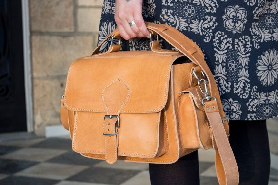 Leder-Kameratasche, DSLR Leder Umhängetasche, natürliche Farbe, Leder Kameratasche, Lederumhängetasche sowie leichte braune schützende einfügen