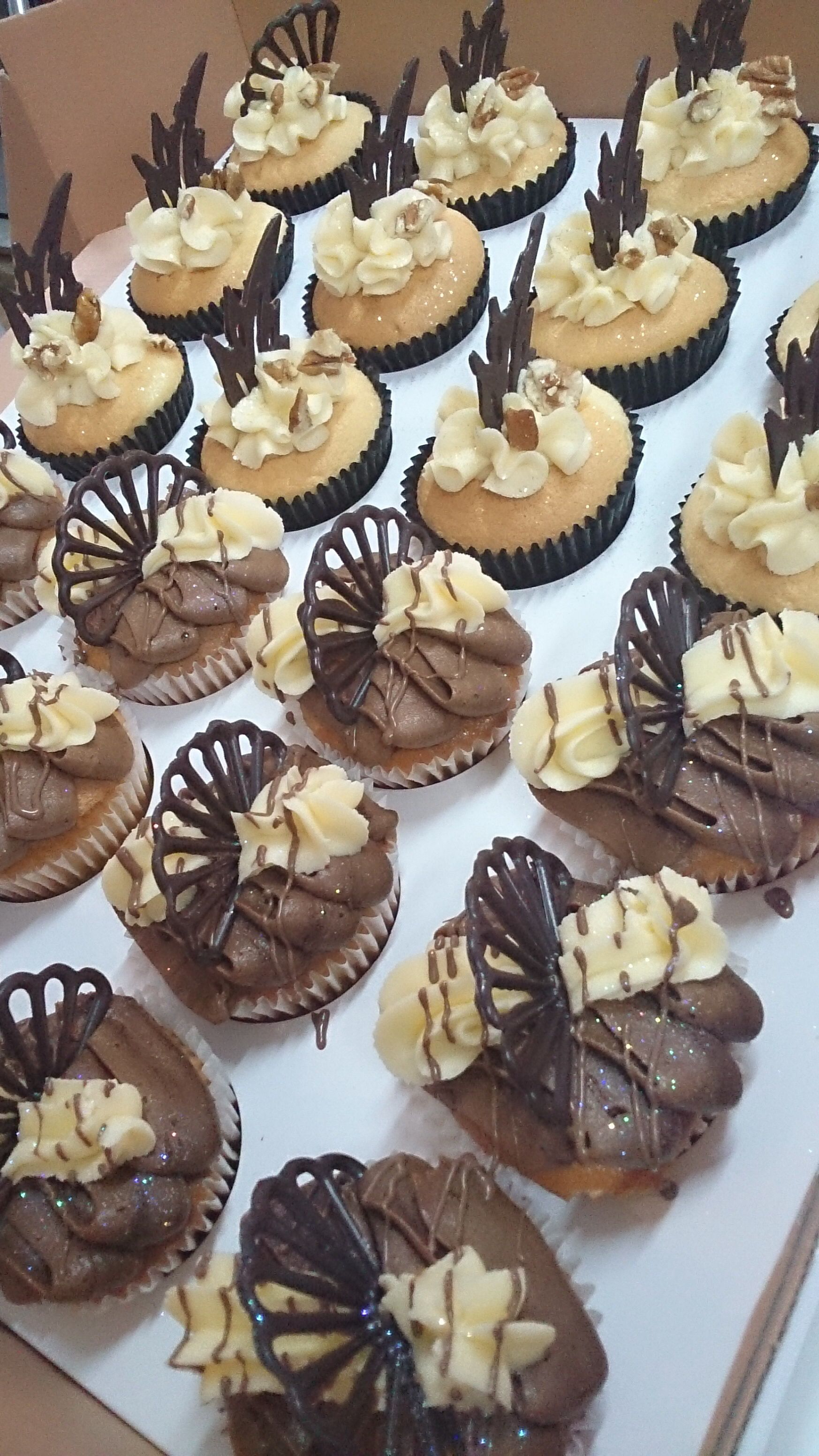 Delicious cupcakes yummy cupcakes decadent cakes small