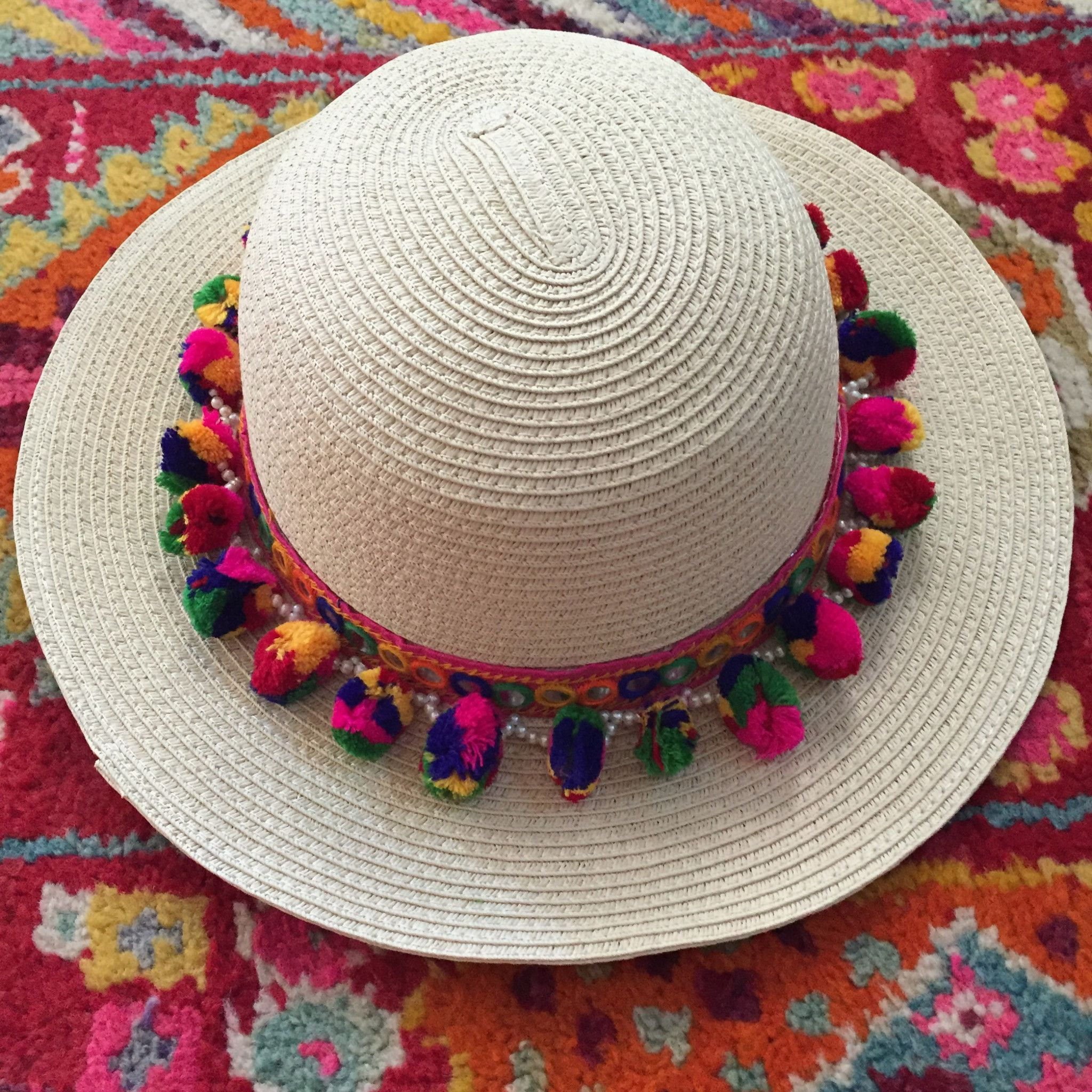 Multicolored Boho Pom Pom Sun Hat Accesorios Con Pompones bb0c9131fc24