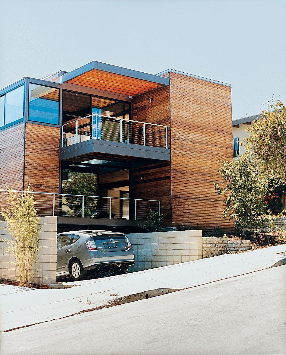Steve glenn founded livinghomes a modern prefab for Modern house price