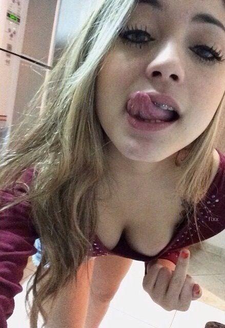 young amateur selfies tumblr
