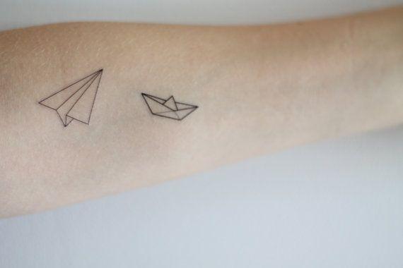 Papier Bateau Et Avion Tatouage Temporaire Par Mossandferndesignco 3 00 Paper Airplane Tattoos Plane Tattoo Airplane Tattoos