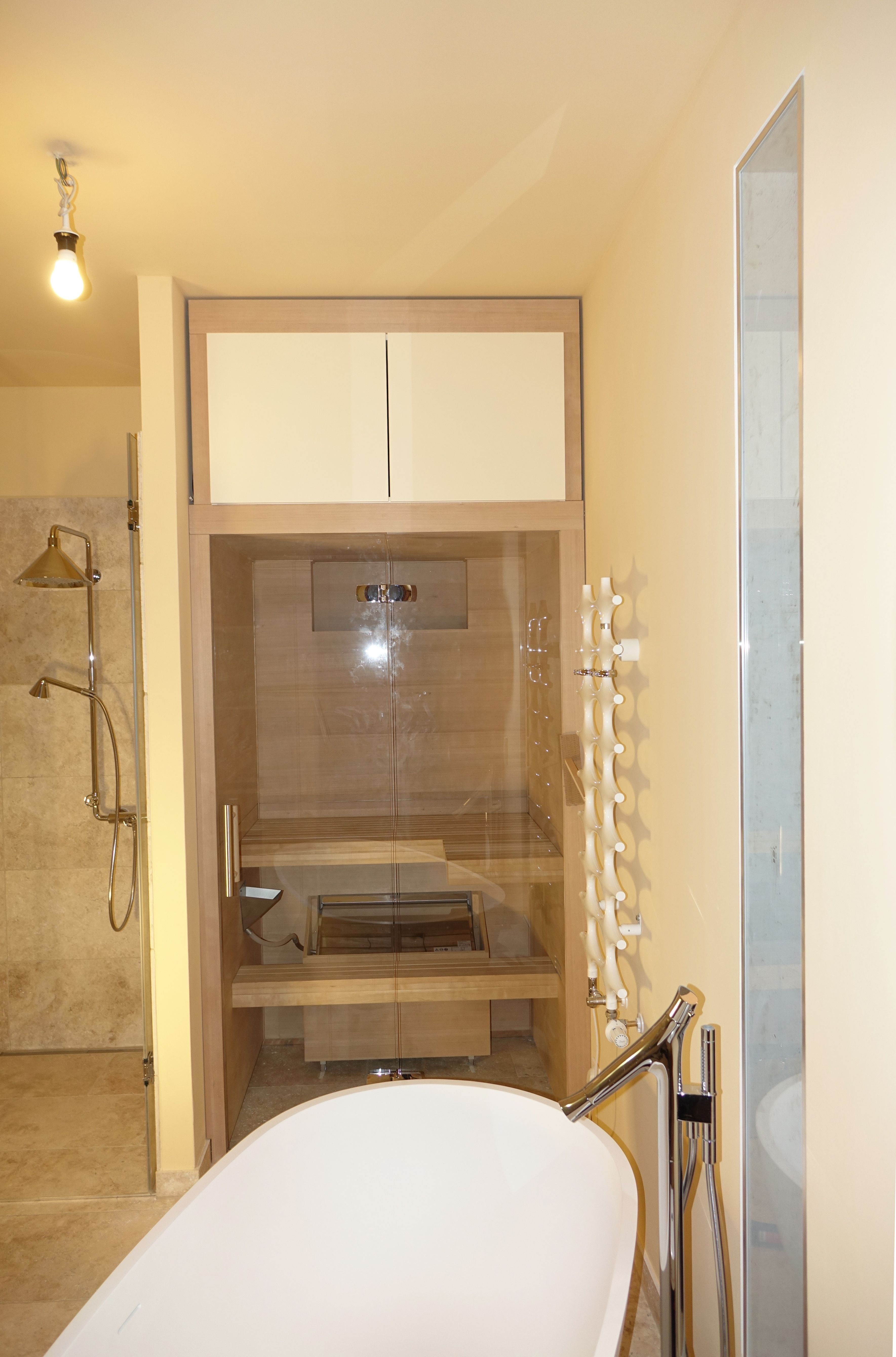 Pin Von Monneray Auf Salle De Bain In 2020 Kleine Sauna Kleiner Raum Badezimmer