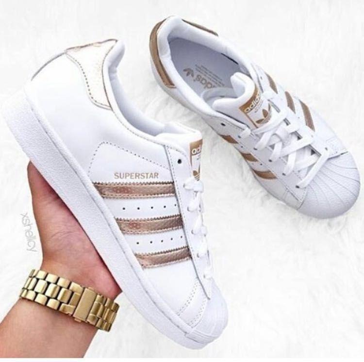3f56a6fda90 Tênis Adidas Listras Douradas Superstar Foundation - Inspired - Look Store