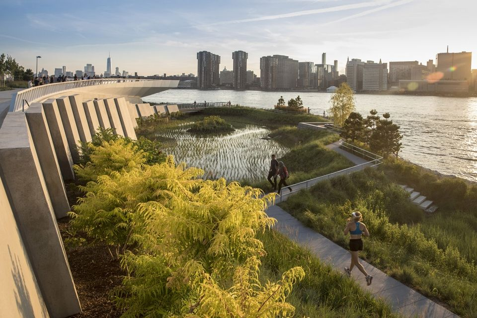 Hunter S Point South Waterfront Park Phase Ii By Swa Balsley Weiss Manfredi And Arup 谷德设计网 Landscape Design Landscape And Urbanism Landscape