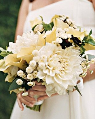 "See the ""White Bouquet with Oversize Flowers"" in our Real Weddings with White Ideas gallery"