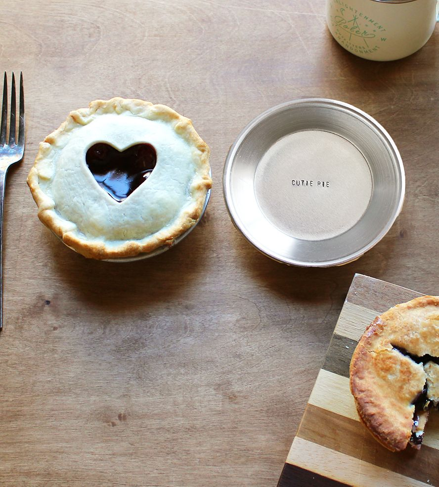 Cutie pie sweetie pie stamped mini metal pie pan set