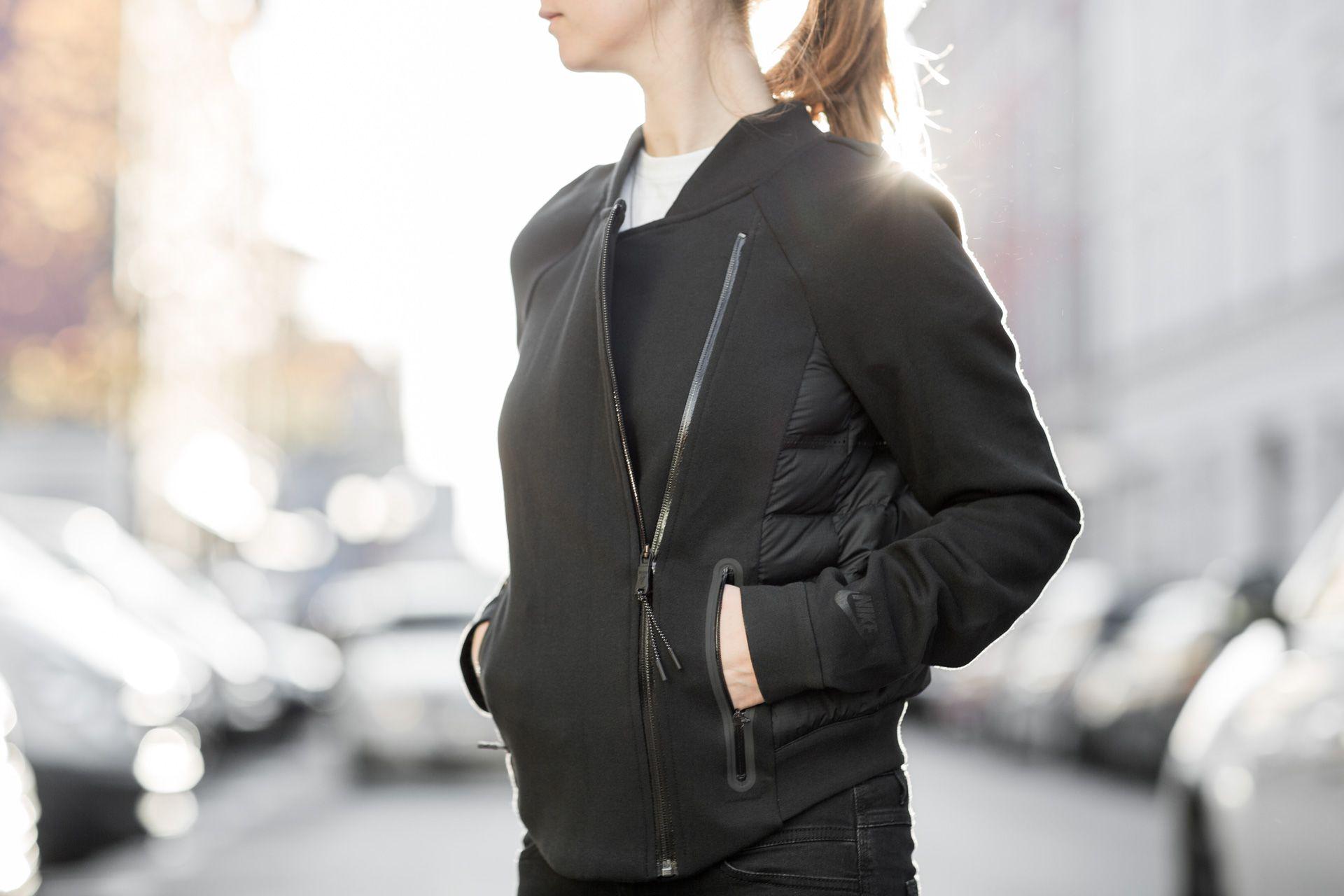 Buy NIKE Winterjacke Tech Fleece Aeroloft Parka blackblack