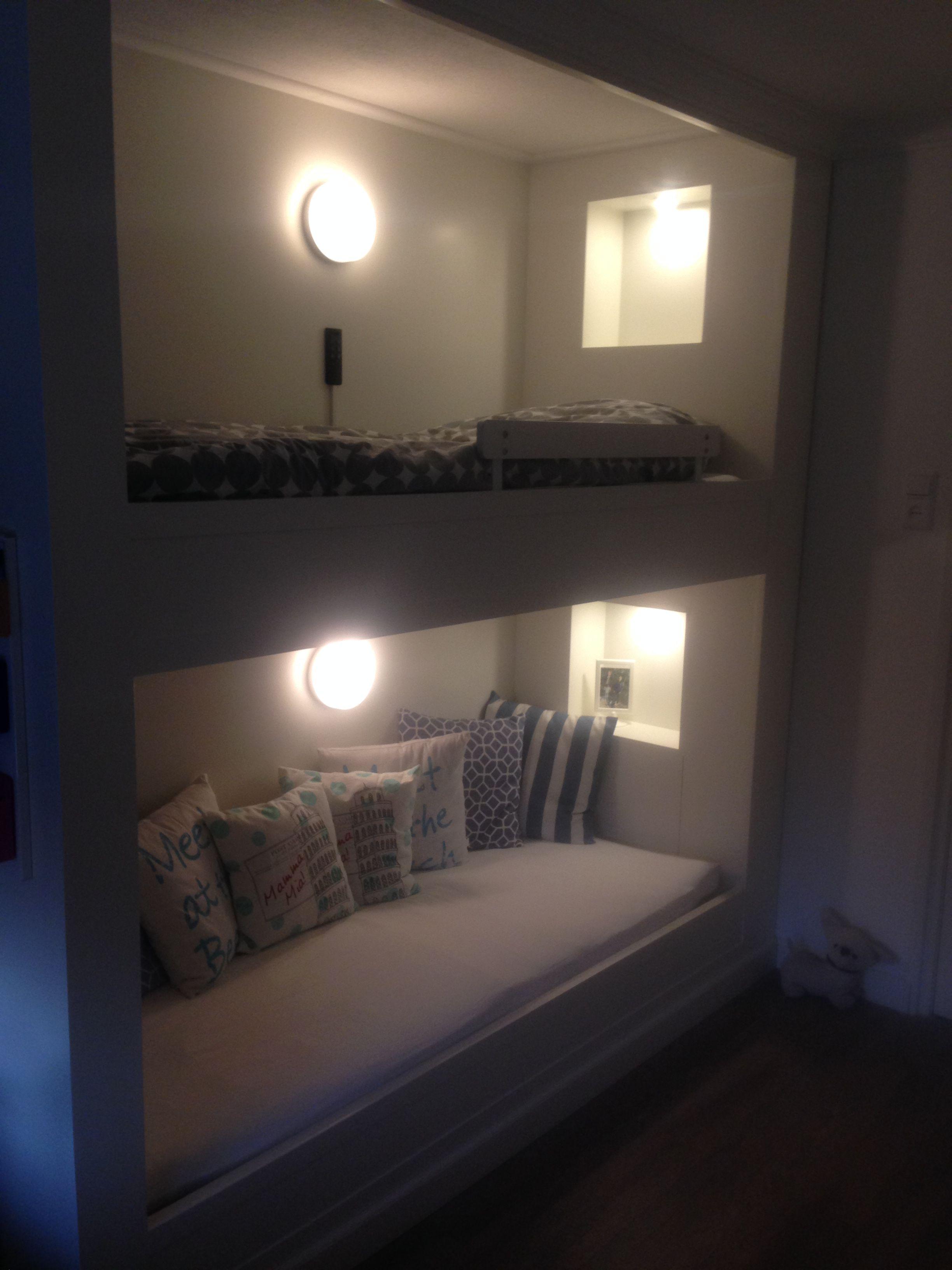 Stapelbed bunkbed 80x200 met verlichte koof bovenbed heeft een elektrisch verstelbare - Stapelbed kleine kamer ...
