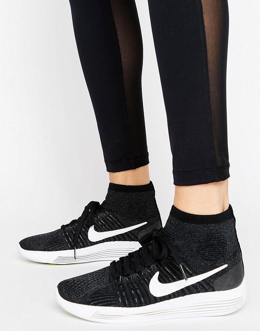 uk availability fd57b 8414f Zapatillas de deporte de Flyknit Lunarepic de Nike Running. Zapatillas de  deporte de Nike, Exterior de Flyknit ligero, Cierre de cordones, Puño de  corte ...