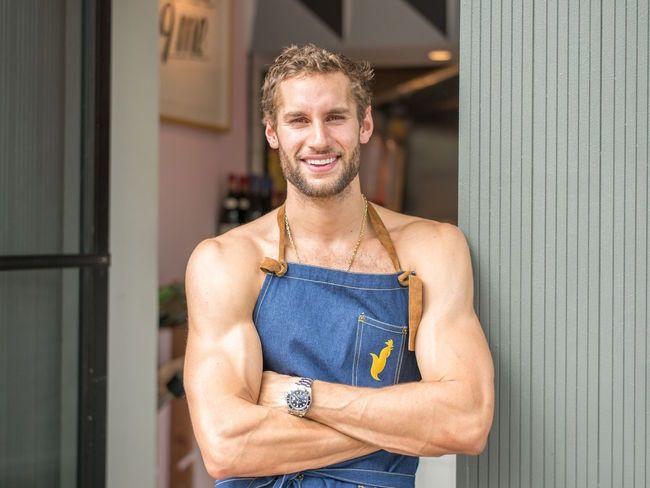 Es peruano cocina semidesnudo y quiere ser el chef más sexy del ...