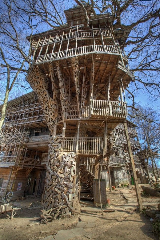 worlds biggest treehouse in crossville tennessee