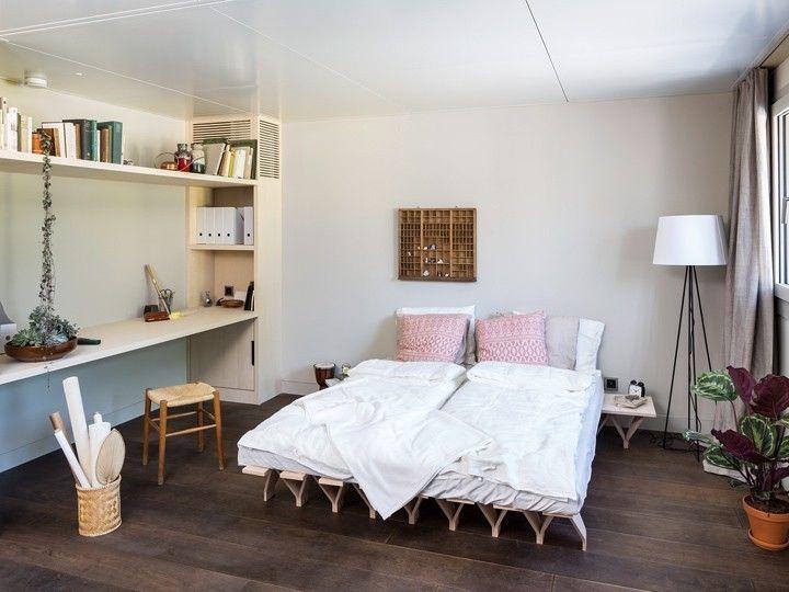 Slide View 1 Greta Leather Xl Sleeper Sofa Retro Home Retro Home Decor Interior