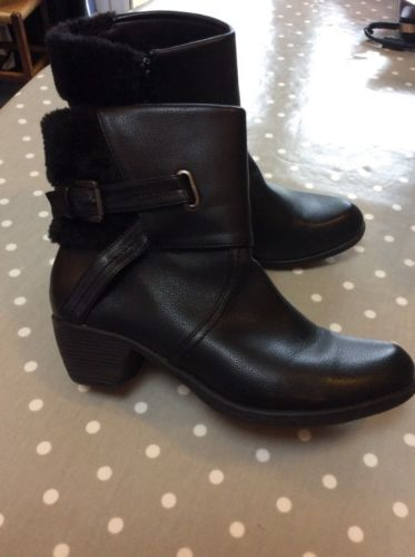Ladies-M-Co-Size-7-Short-Black-Boots-With-2-Heel