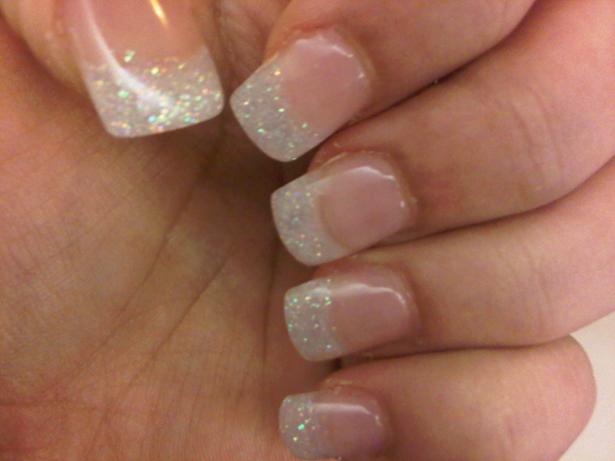 I tried this with nail polish, but loose glitter worked much better ...