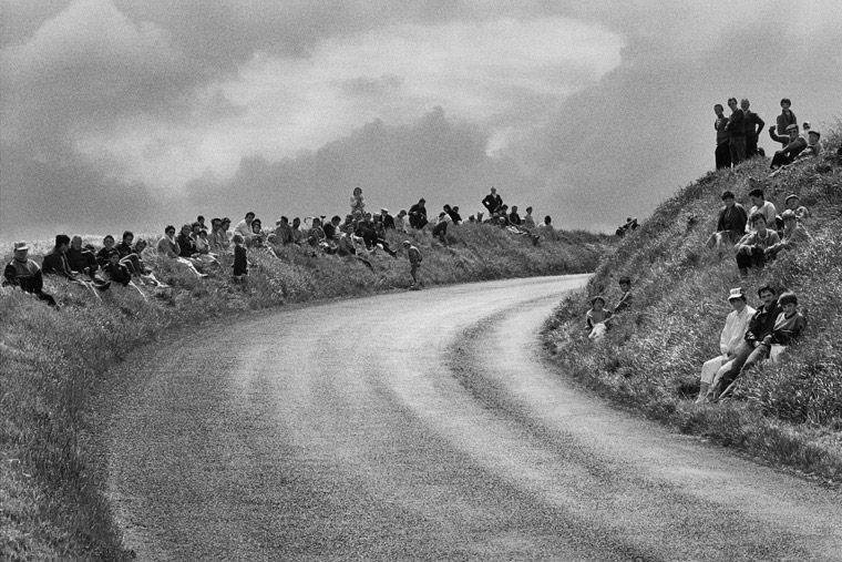 Tour de France, 1986 © Sebastião Salgado / Amazonas Images, Courtesy Polka…