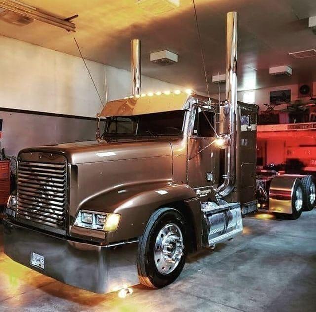22 Fld 120 Ideas Freightliner Trucks Freightliner Freightliner Classic