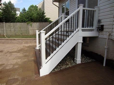 Best Exterior Stair Railing Ideas That You Can Build Yourself 400 x 300