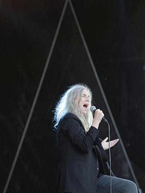 """Koko Ruisrockin kovin keikka? Raivoisasti saarnannut Patti Smith ylisti Suomea ja haistatti p*skat """"monikansallisille korporaatioille"""" - Viihde - Ilta-Sanomat"""