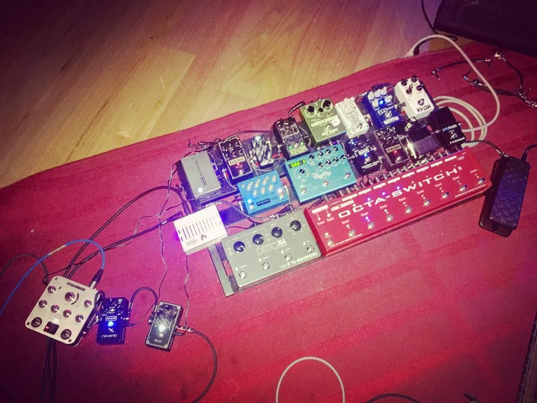 Pedalboard Set Up That Tosin Abasi Used For The Recent Filming Of Dunlop Sessions Animals As Leaders Tosinabasi Animalsasleade Jim Dunlop Pedalboard Dunlop