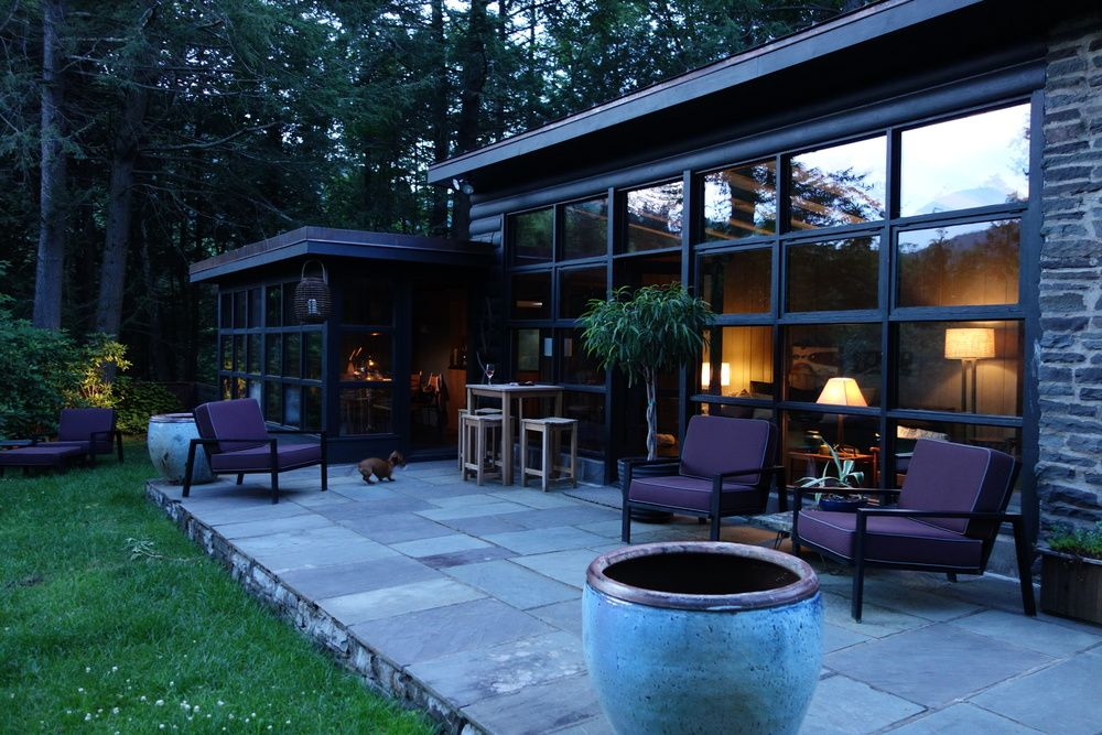 in cottages cabins george for a lake with on vacation getaways ny rent family grille