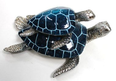 Sea turtle mother and baby figurine, nautical marine life statue made of resin.