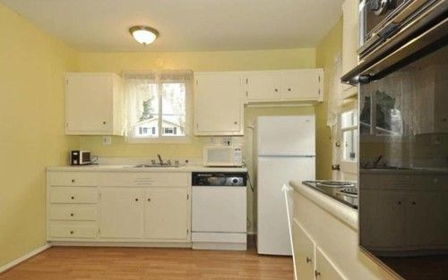 Short Kitchen Wall Cabinets | Kitchen wall cabinets, Wall cupboards ...