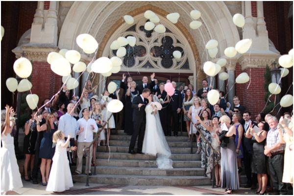 wedding balloon release, wedding recessional toss, sendoff, bride and groom exit, getaway