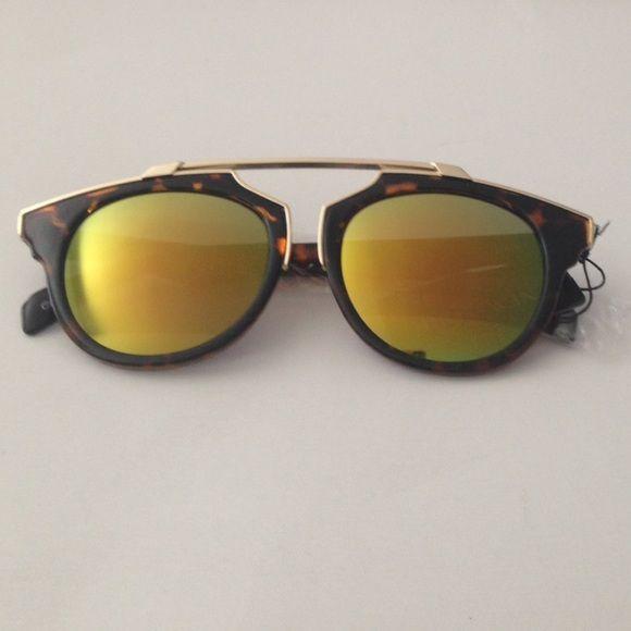 Retro sunglasses 😎 PRICE FIRM