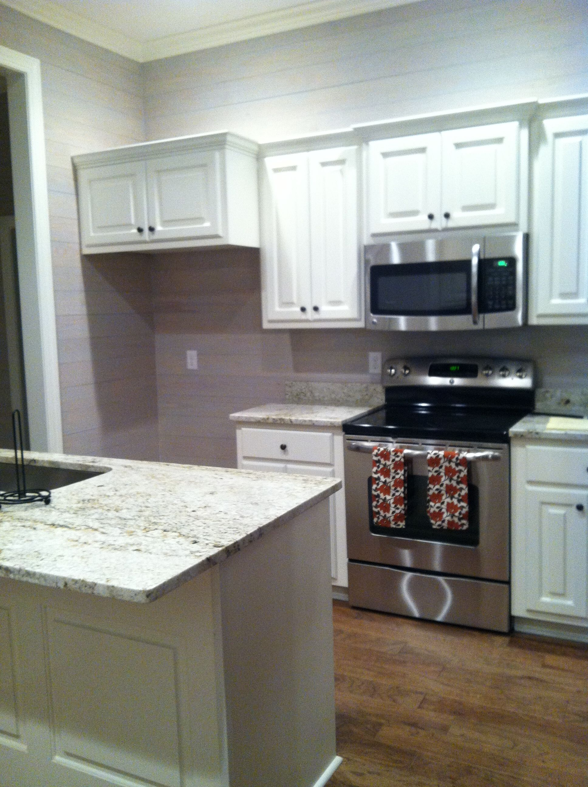 Best Lake Kitchen Finished Sw Comfort Gray Walls Colonial 400 x 300
