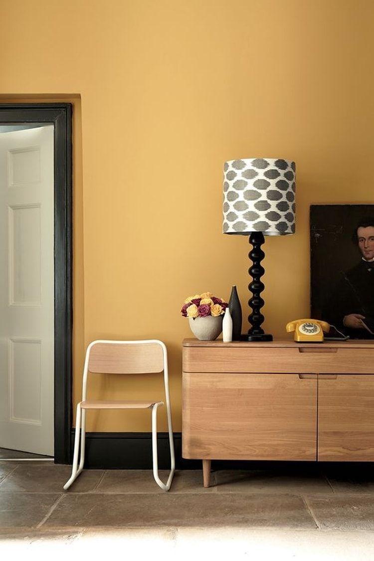 Un salon orange rétro | Déco : Les couleurs chaudes | Pinterest