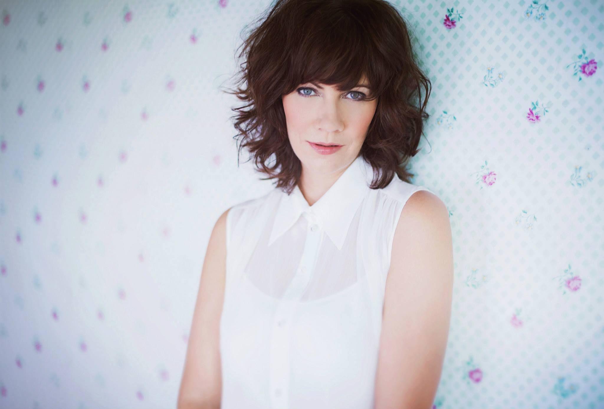 Stephanie James photo