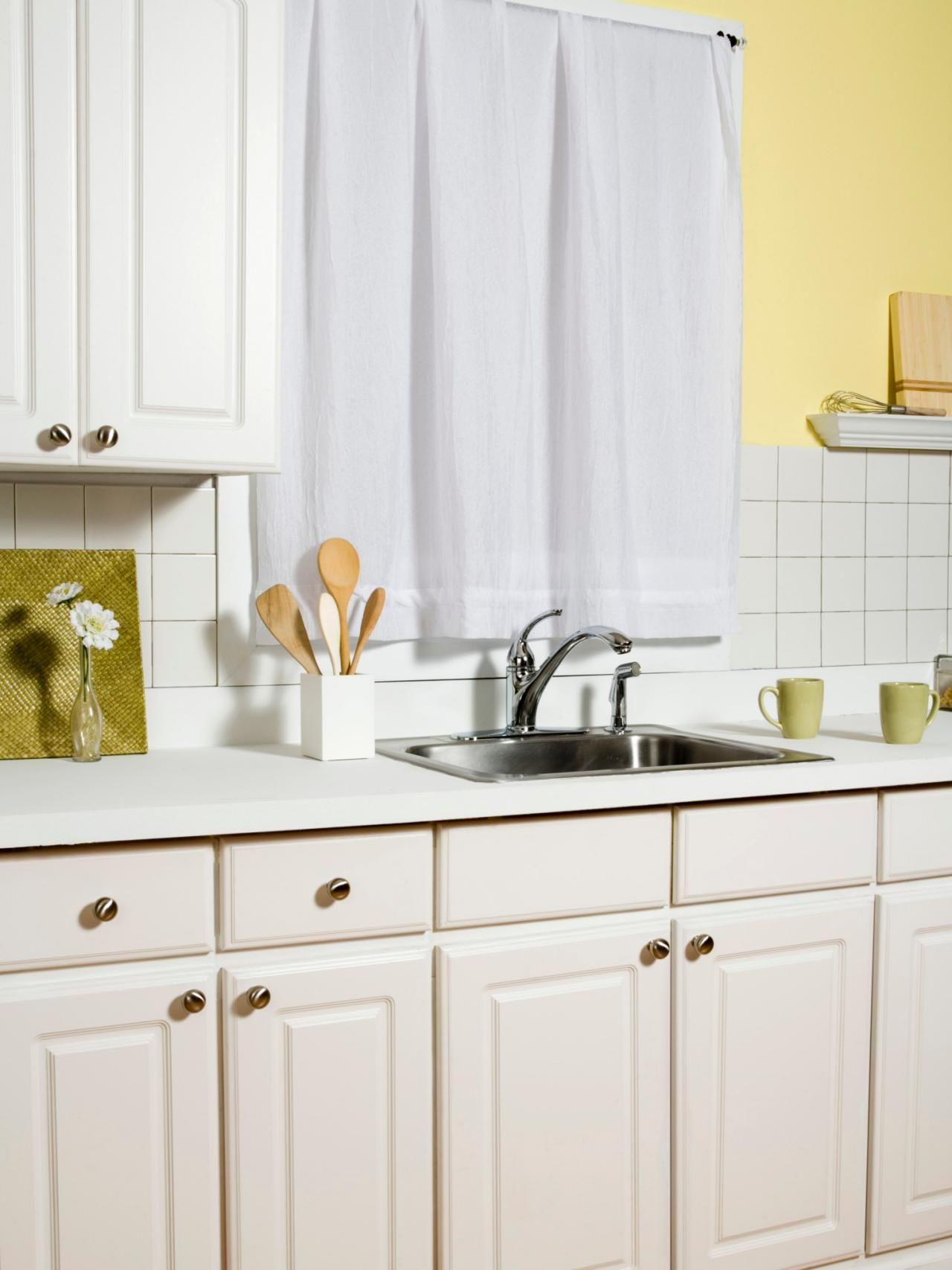 Choosing Kitchen Cabinets For A Remodel Clean Kitchen Cabinets New Kitchen Cabinets Wood Kitchen Cabinets