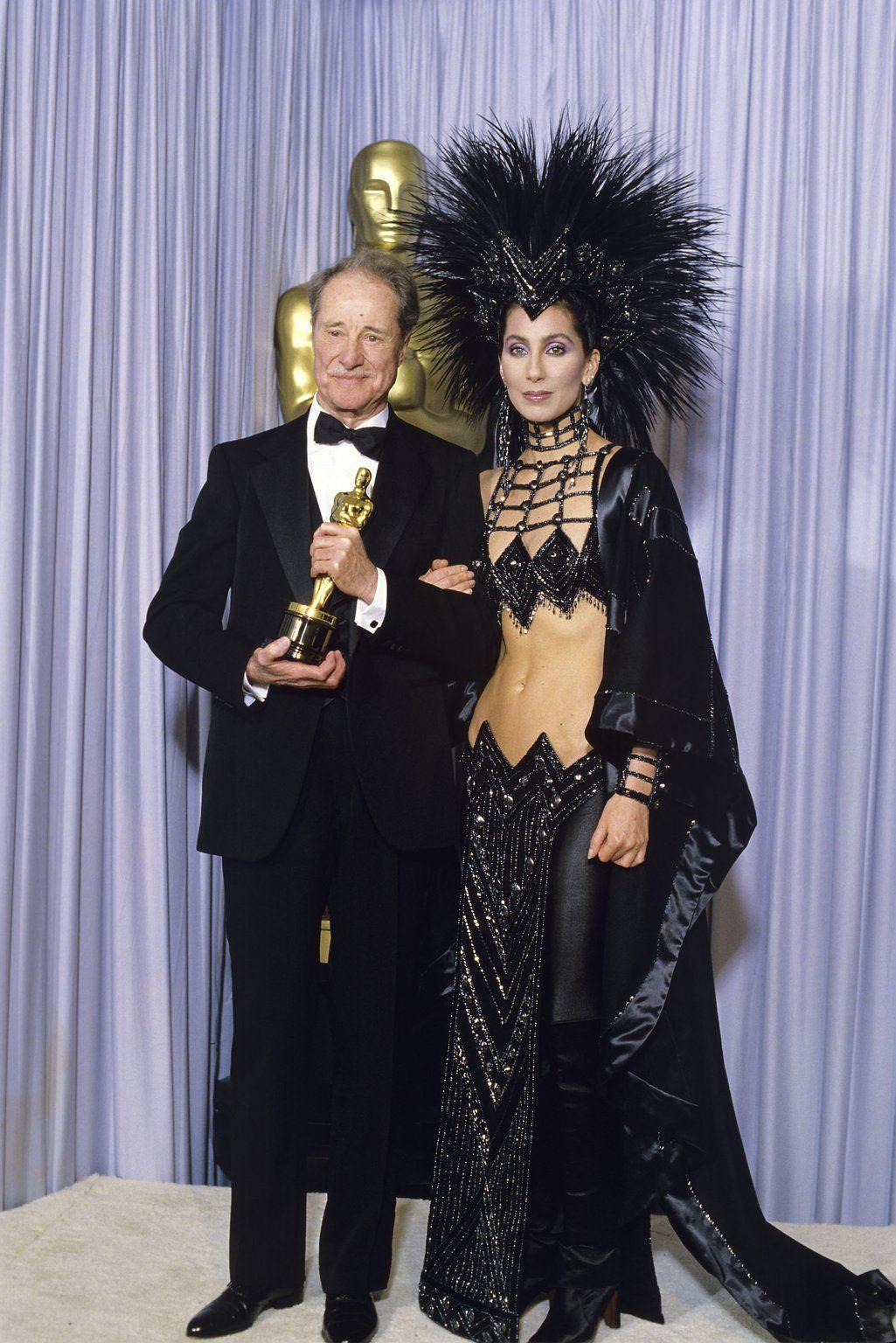 Cher 1986 Oscars Red Carpet Fashion Through The Years Oscars 2017 Photos 89th Academy Awards Oscar Fashion Red Carpet Fashion Fashion
