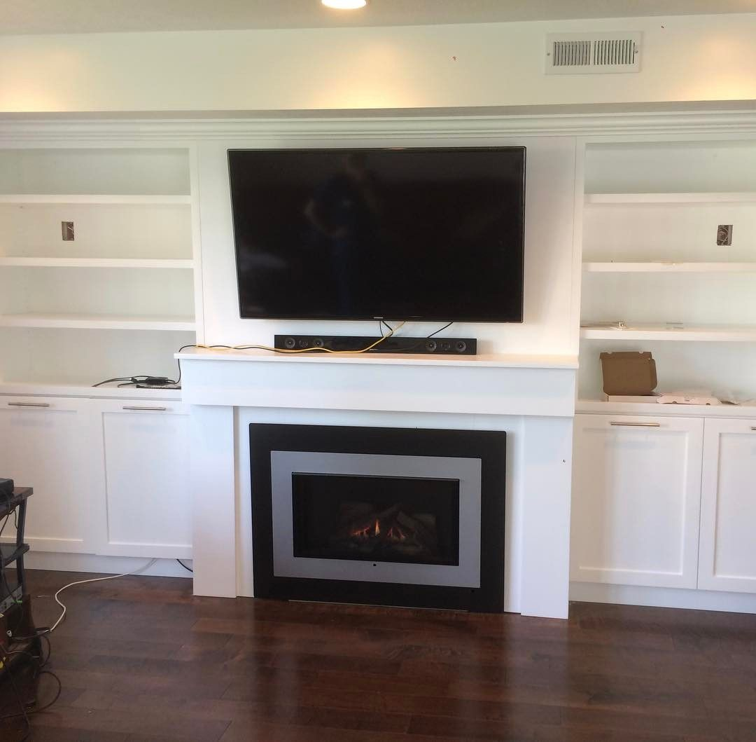 Wonderful Finish Work Around This Valor H4 Series Gas Fireplace Focalwall Custominstall Professionalinstall Valor Fireplaces Fireplace Gallery Fireplace