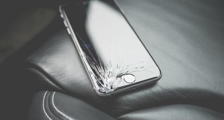 Fix Your Broken Phone Screen Crackedscreen Iphone Samsung