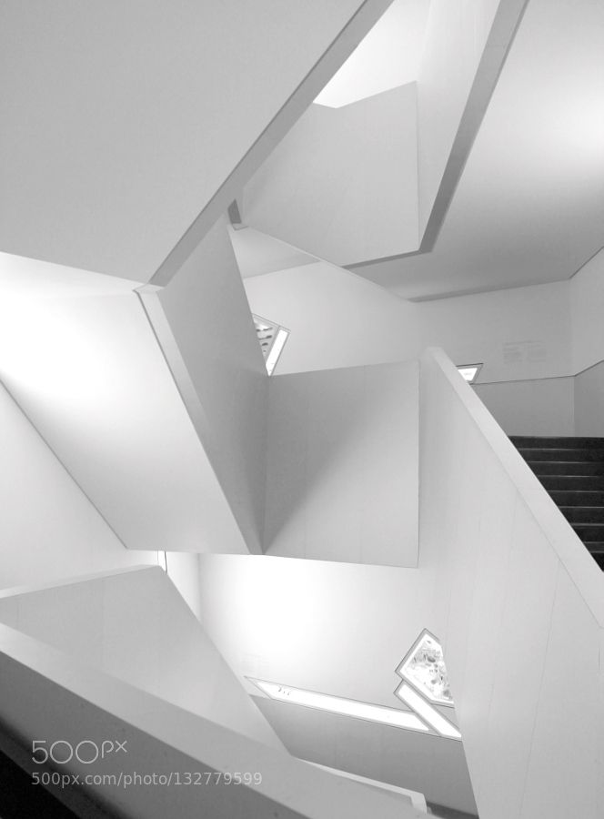 ROM Staircase - Pinned by Mak Khalaf Black and White AbstractArchitectureB&WCityFine artsMinimalistMuseumROMStaircaseWhite by Huangtidefall