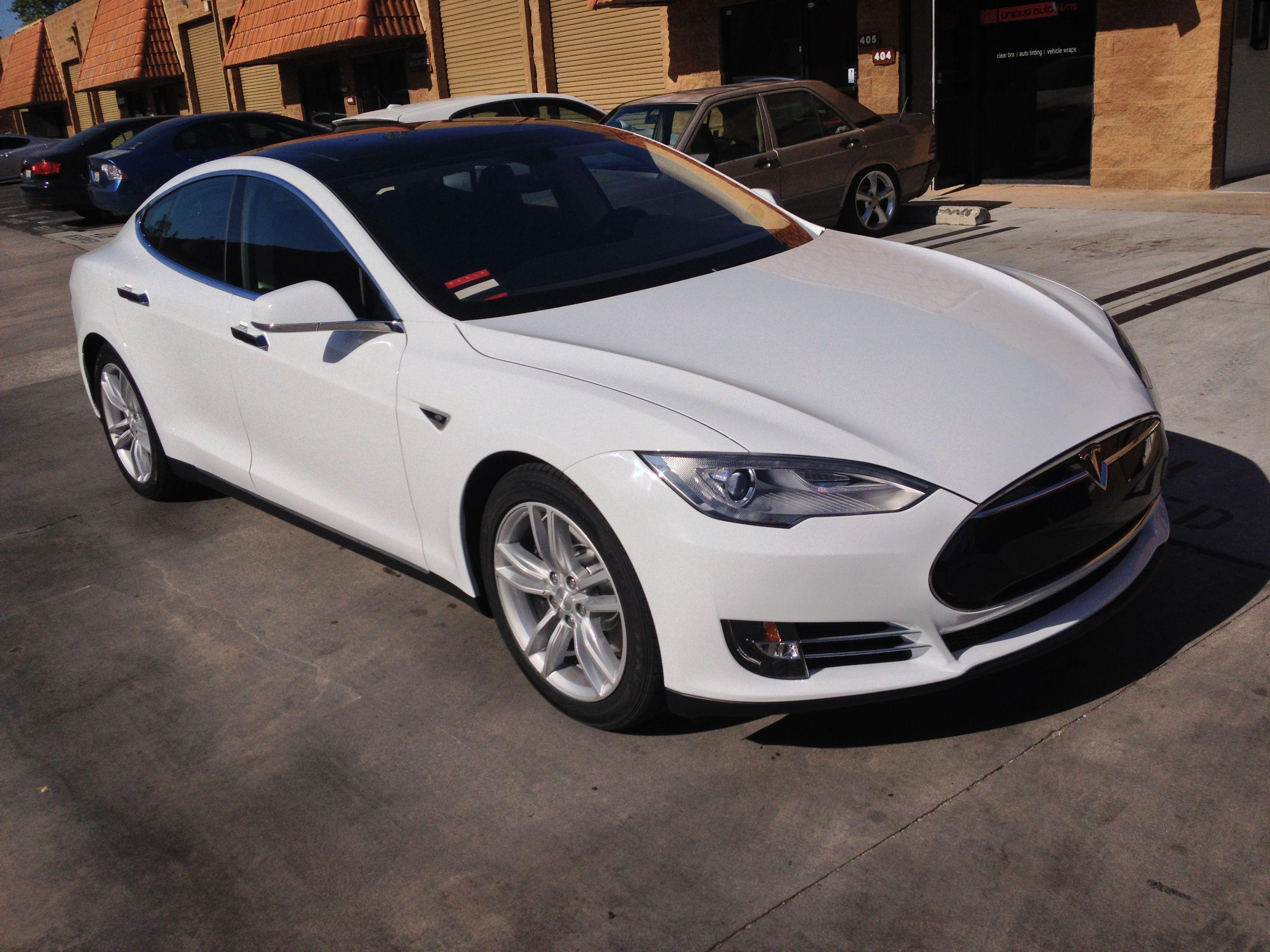 Tesla Model S New Electric Car Tesla Electric Car Tesla Model S Fuel Efficient Cars