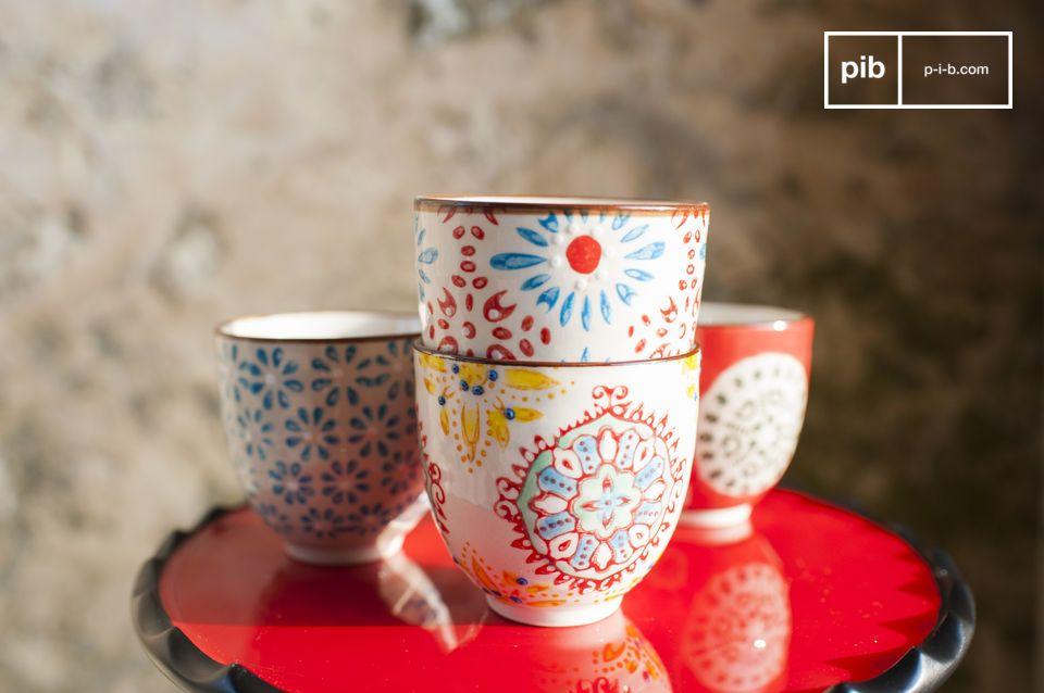 Las cuatro tazas de café expreso Tzigane traerán un toque vintage a cualquier estilo de interior.