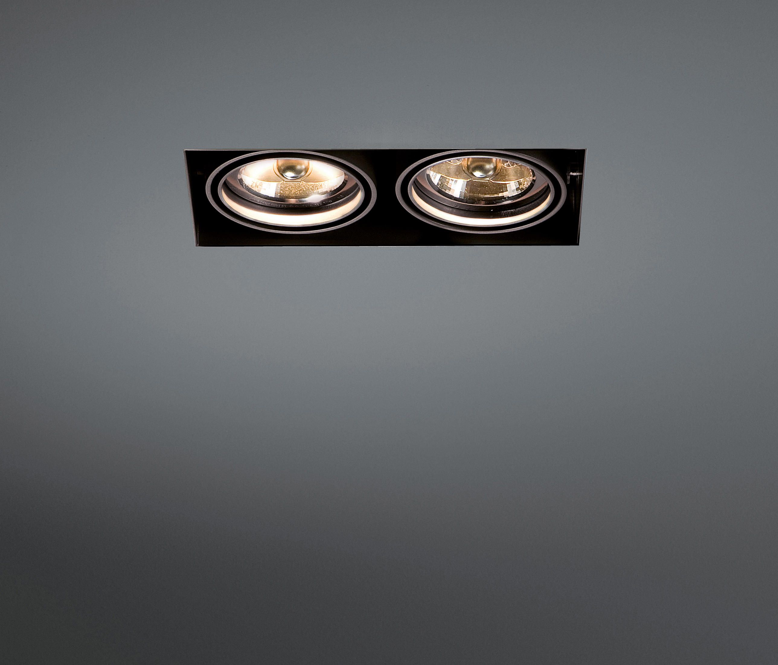 Mini Multiple Trimless 2x Ar70 Ge By Modular Lighting Instruments Recessed Ceiling Lights Ceiling Lights Recessed Ceiling Lights Recessed Lighting