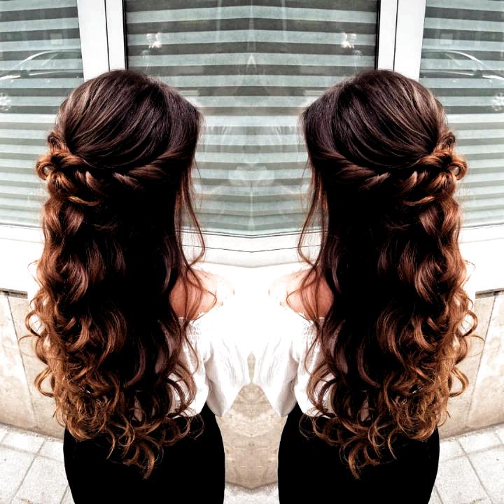 Kostyal Regina On Instagram Hairstyle Halfupdo Hairdresser Hairstyle Halfupdo Hairdresser Source By Seelen In 2020 Easy Hairstyles Hair Lengths Hair Styles