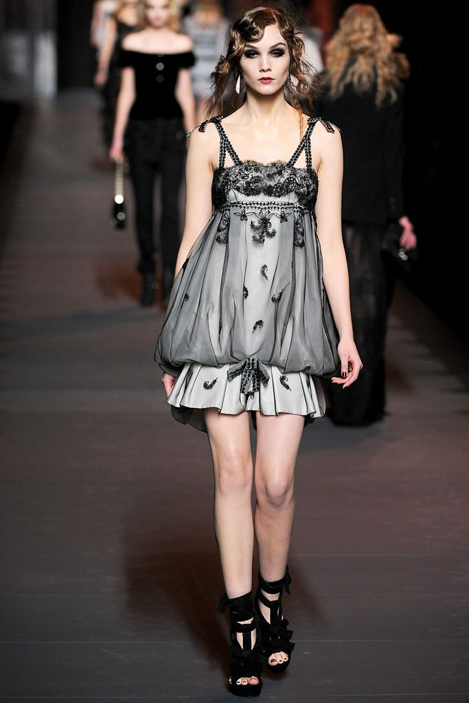 Christian Dior Fall 2011 Ready-to-Wear... cute vintage feel