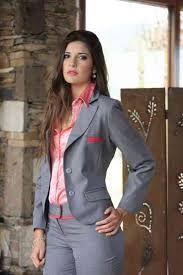 Resultado de imagen para modelos de trajes ejecutivos para dama                                                                                                                                                      Más